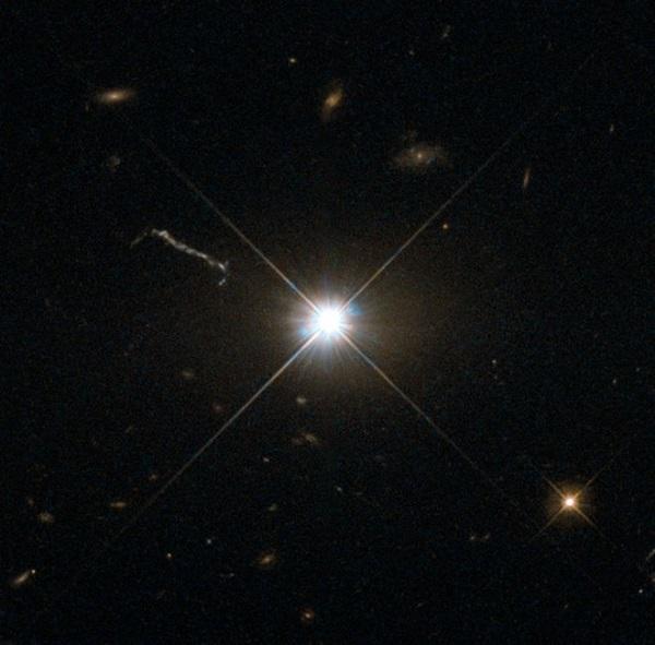هابل کوازار 3C 273