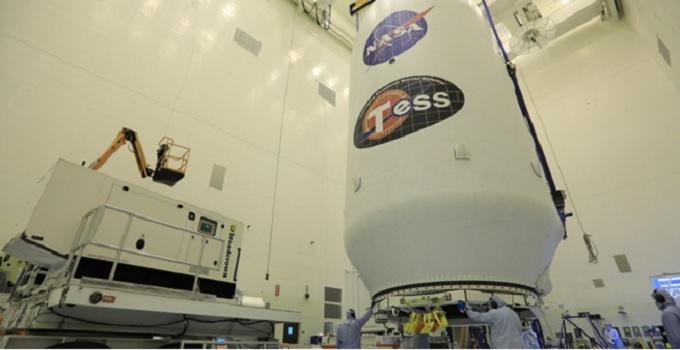ماهواره تس توسط موشک فالکون ۹ اسپیس ایکس پرتاب شد