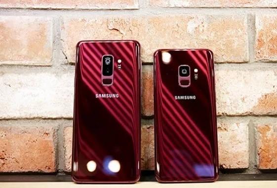 سامسونگ قصد دارد نسخهی قرمز تیرهی گلکسی اس 9 و گلکسی اس 9 پلاس را بهزودی معرفی کند و امیدوار است که این تنوع رنگی بتواند به فروش این دستگاه کمک کند.