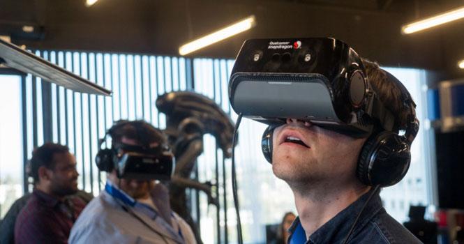 رونمایی گوگل و ال جی از نمایشگری با رزولوشن نصف چشم انسان