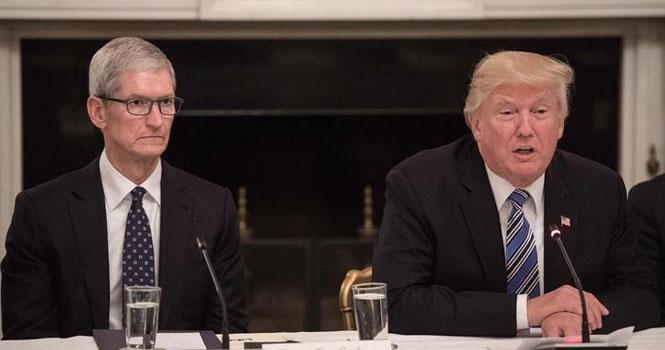 ترامپ به کوک قول داد؛ آیفون شامل افزایش تعرفه واردات نخواهد شد