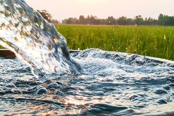 استخراج آبهای زیرزمینی