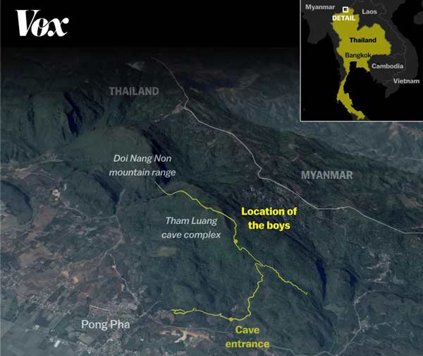 """نقشهای از محل پیدا شدن فوتبالیستهایی تایلندی. ۱۲ نوجوان و مربی آنها، در غاری توریستی به نام""""تام لوآنگ"""" در استان """"چیانگرای""""قرار دارند."""