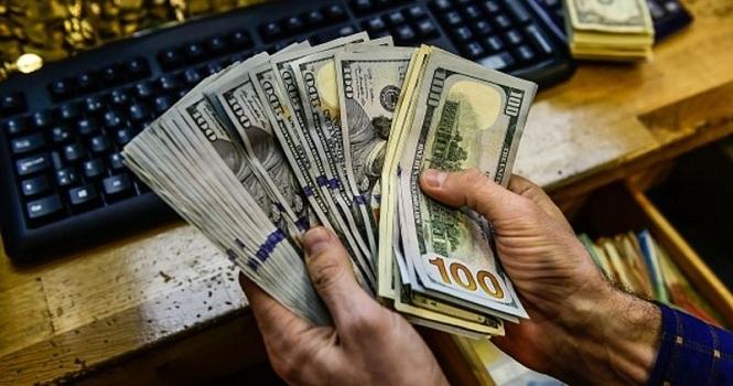 قیمت دلار به ۱۰ هزار تومان رسید ؛ از دلار ده هزار تومانی لذت ببرید!