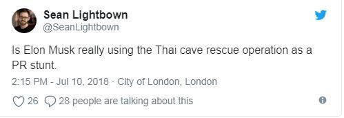 روزنامهنگاری به نام شاین لایتبون، هم حساب توییتر خود نوشت