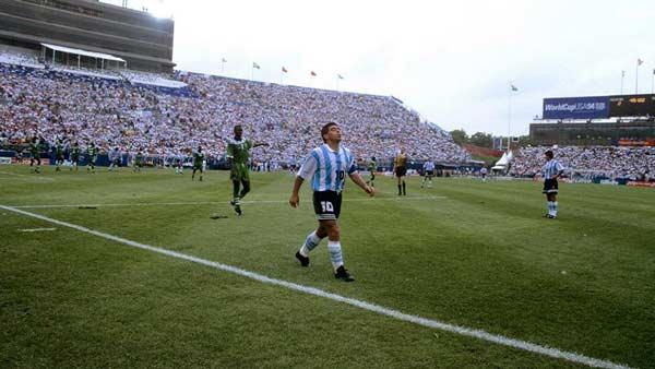 ۴. توطئه فیفا برای اخراج مارادونا از جام جهانی ۱۹۹۴