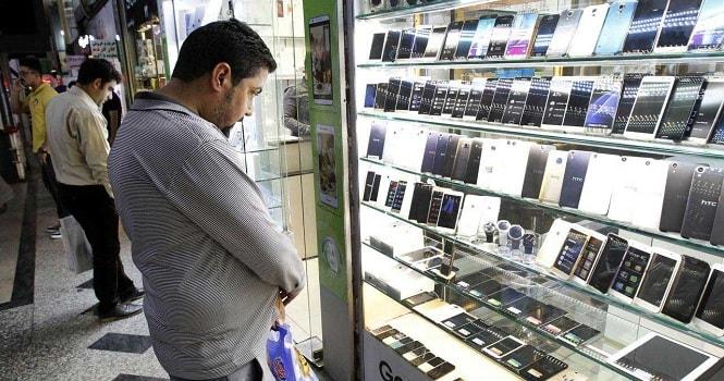 قیمت گوشی در بازار ایران بالا میرود؛ دلار 4400 تومانی به واردات موبایل اختصاص نخواهد یافت