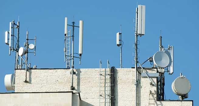 وزیر ارتباطات: پارازیت با آنتن دهی موبایل ارتباطی ندارد