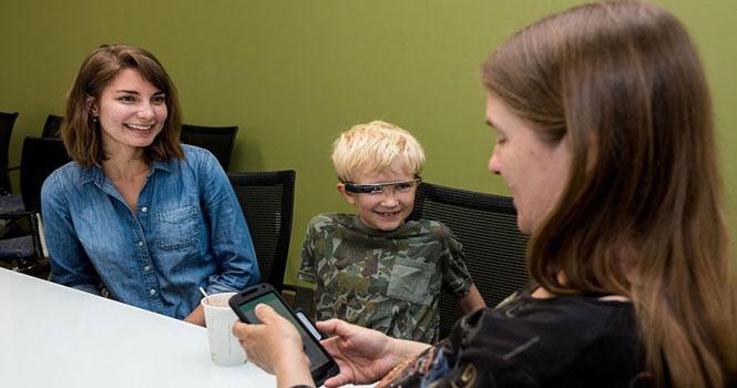 درمان اوتیسم با گوگل گلس ؛ وقتی عینک هوشمند گوگل به کمک درمانگران میآید