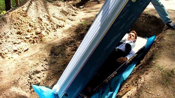 آیا حاضرید در قبر بخوابید