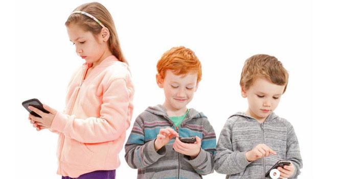 مدت زمان استفاده بی خطر از موبایل برای کودکان در روز چقدر است؟