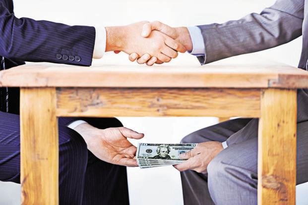 پرداخت رشوه در واردات