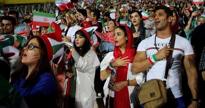 حضور زنان در ورزشگاه آزادی ؛ آغاز ورود بانوان به ورزشگاه با بازی ایران و بولیوی
