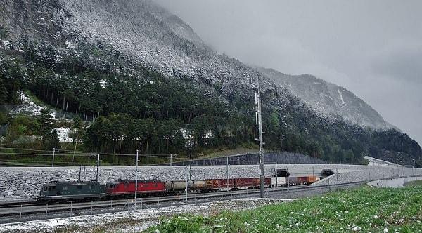 طولانیترین تونل قطار و بلندترین تونل اروپا و البته بزرگترین تونل ترافیکی جهان عناوین تونل گوتارد است