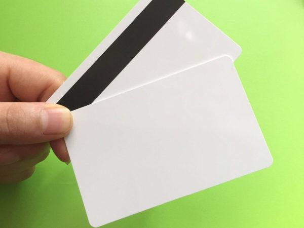 کارت بانکی خام