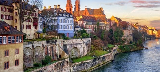 یکی دیگر از کشورهای ثروتمند اروپا کشور سوئیس است که با درآمد سرانه 59.561 دلار در جایگاه چهارم لیست قرار میگیرد.