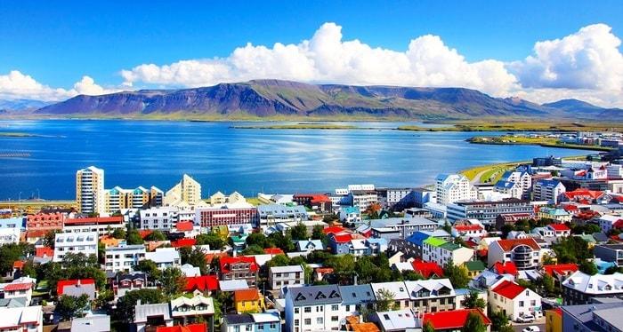 کشور ایسلند با درآمد سرانه 49.136 دلار
