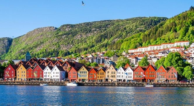 کشور نروژ با درآمد سرانه 69.249 دلار در جایگاه دوم لیست ثروتمندترین کشورهای اروپا است