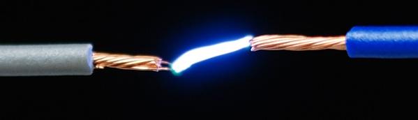 اکثر مردم با الکتریسیته ساکن آشنا هستند