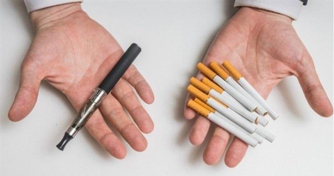 ویپ اسموک یک دستگاه کوچک الکترونیکی است که با روشن شدن آن مایعی که درون مخزن آن قرار دارد بخار شده و دودی شبیه به دود سیگار تولید میشود. با این وسیله فرد میتواند حس و حالی همانند حس و حال سیگار کشیدن را تجربه کند.