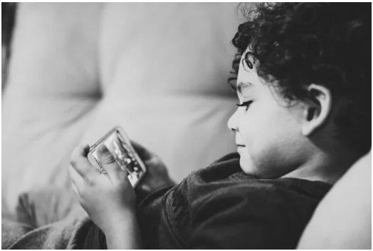 آیا صفحات نمایش زمانهای بدی را برای کودکان خردسال میسازد؟