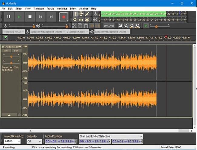 برای ادیت پادکست صوتی، یک نرمافزار قدرتمند، رایگان و اوپن سورس به نام آدیوسیتی یا Audacity وجود دارد