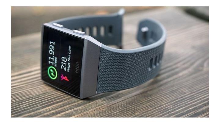 فیت بیت آیونیک (Fitbit Ionic): اولین بلندپروازی بزرگ فیت بیت