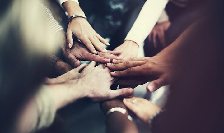 مدام شبکه سازی کنید و در کارهای داوطلبانه شرکت نمایید