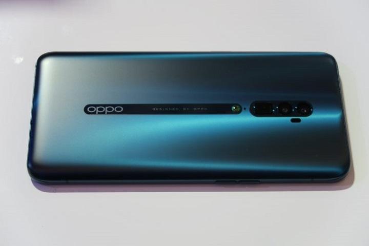 بهترین گوشی از نظر فناوری: اوپو رنو 10 ایکس زوم (Oppo Reno 10x Zoom)