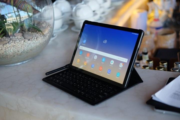 1. سامسونگ گلکسی تب اس 4 (Samsung Galaxy Tab S4): بهترین تبلت اندروید از هر لحاظ