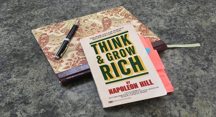 بیندیشید و ثروتمند شوید