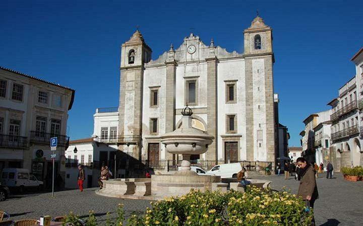 کلیسای ساخته شده از استخوان در پرتغال