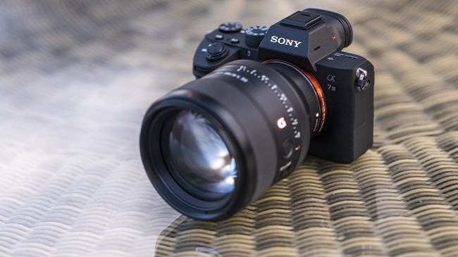 سونی آلفا اِی 7 3: یک دوربین همه کاره کارآمد برای افرادی که تازه میخواهند از دوربین های تمام فریم استفاده کنند