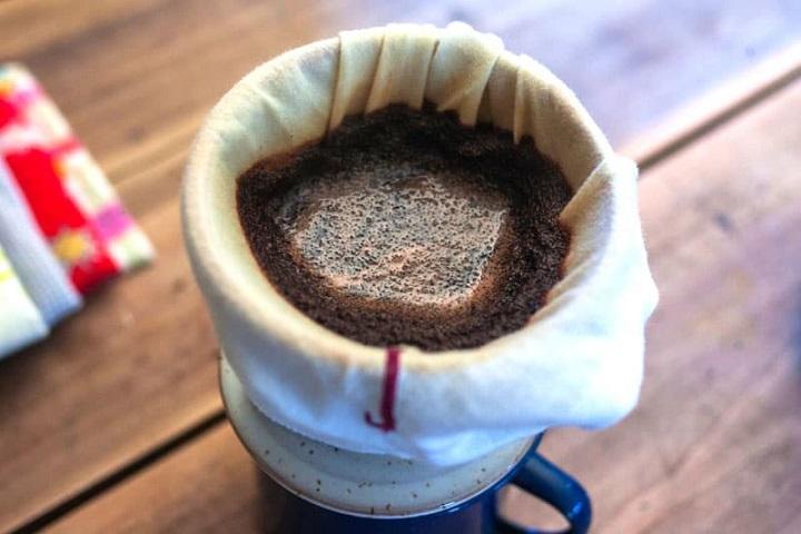 طرز تهیه قهوه با دستمال