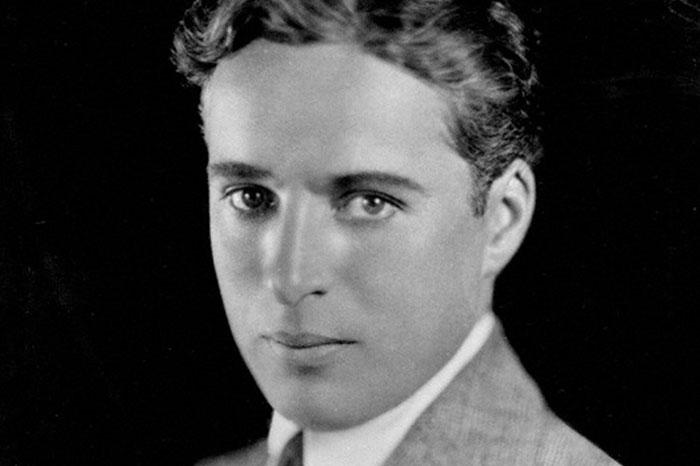 18. چارلی چاپلین (Charlie Chaplin)