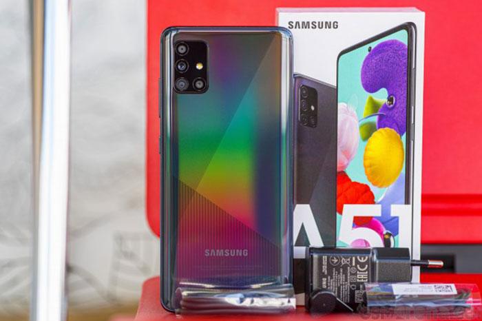 سامسونگ تولید یک گوشی مجهز به دوربین سلفی زیر نمایشگر را: بهترین گوشی های زیر 4 میلیون تومان در سال 2020 ؛ میان رده