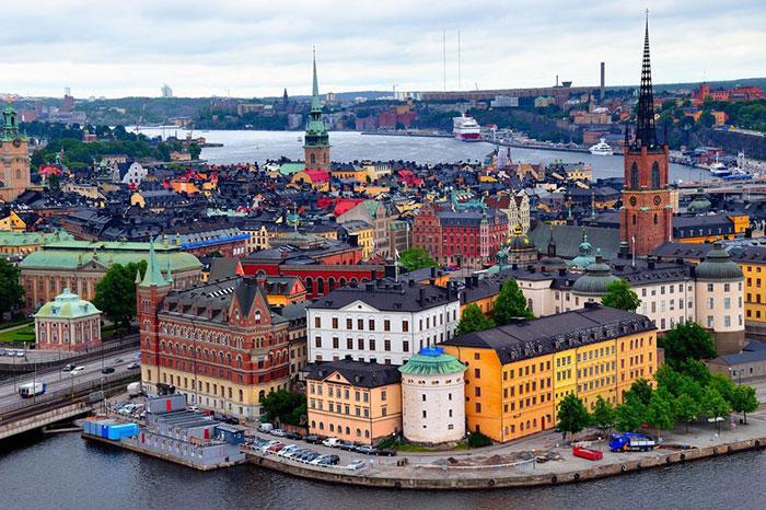 میانگین سرعت اینترنت سوئد 18.1 مگابیت است که بهراحتی تا 500 مگابیت هم افزایش پیدا میکند