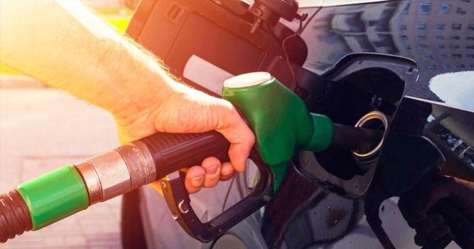 مقایسه قیمت بنزین در ایران و آمریکا و جهان ؛ آیا بنزین در ایران گران تر از آمریکا است؟