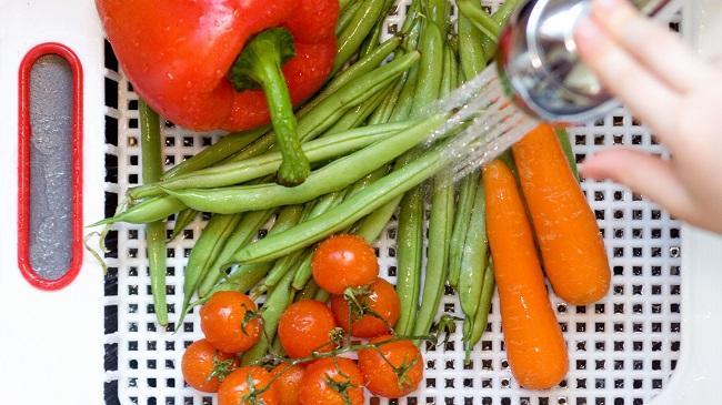 شیوه صحیح ضدعفونی میوه و سبزیجات