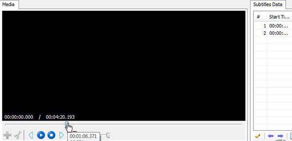 حال در پنل Media قسمتی که میخواهید برای آن زیرنویس بزنید را با حرکت دادن سوییچ زیر ویدیو انتخاب کنید.