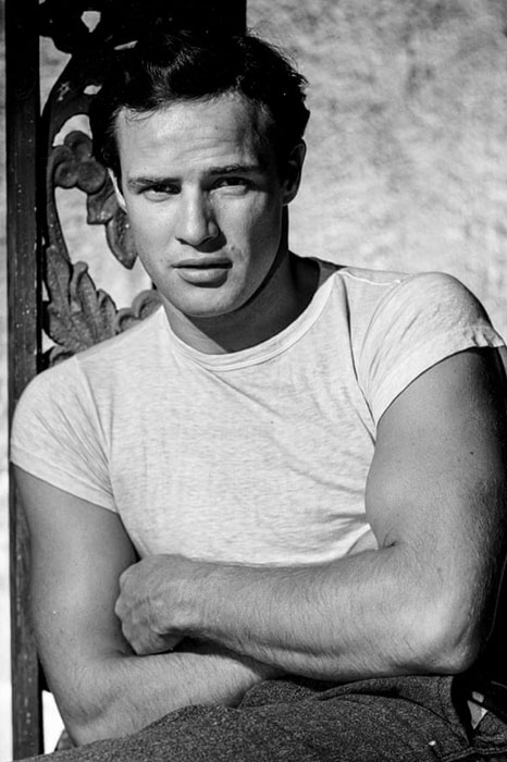 ۹. مارلون براندو (Marlon Brando)