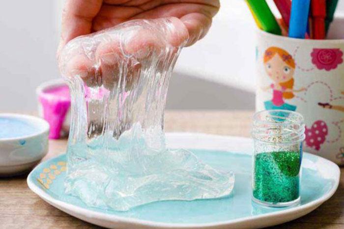 آموزش ساخت اسلایم شفاف با بوراکس و چسب شفاف