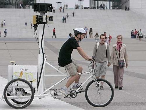 عکاس دوچرخه سوار برای نقشه گوگل