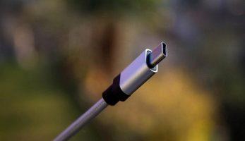 از یک کابل، سوکت یا آداپتور دیگر استفاده کنید