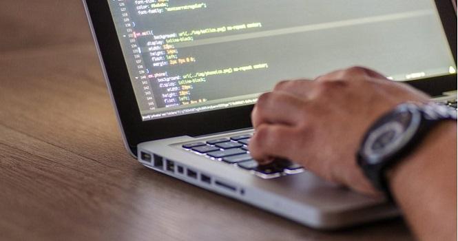 راهنمای خرید بهترین لپ تاپ برنامه نویسی ؛ برنامه نویس حرفهای شوید!