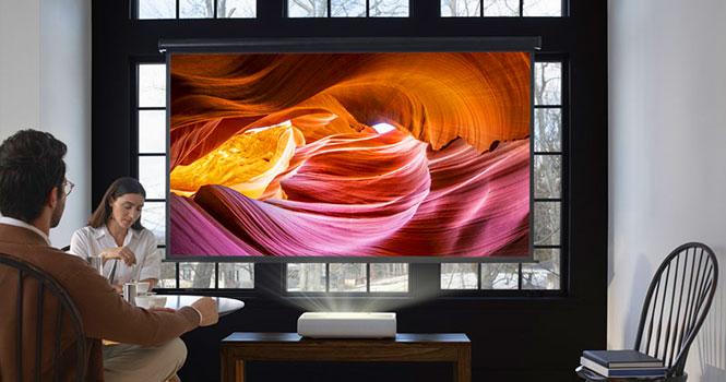 پروژکتور لیزری 4K سامسونگ ؛ پرده سینمای 130 اینچی The Premiere در خانه