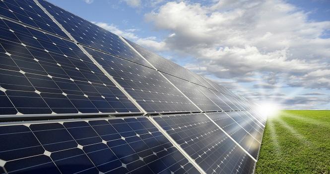 استفاده از صفحه خورشیدی برای مشتریان پرمصرف برق اجباری میشود!