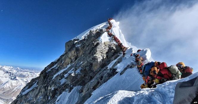 ارتفاع قله اورست حدود یک متر بلندتر شد