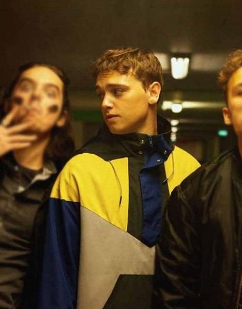 نقد فیلم Here Are The Young Men ؛ نقد فیلم مردان جوان اینجا هستند