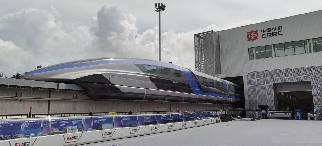 قطار مغناطیسی چینی با سرعت 600 کیلومتر در ساعت
